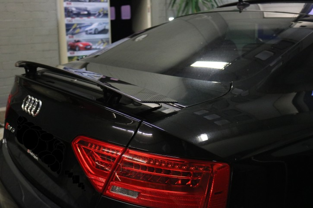 Carbon Heckspoiler Laminierung passend bei Audi RS5
